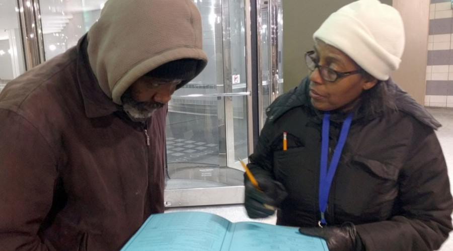 AUDIO: VOLUNTEERS COUNT CHICAGO'S HOMELESS